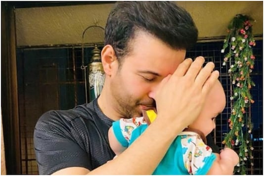 Aamir Ali Shares First Glimpse of His Daughter, See Pic