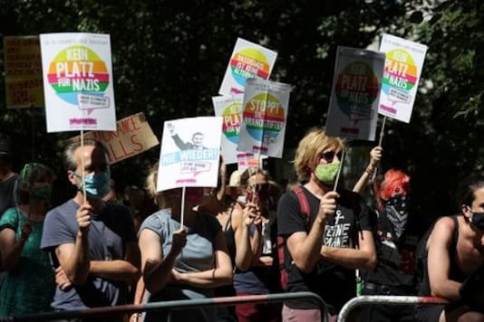 Thousands march in Berlin to protest coronavirus curbs