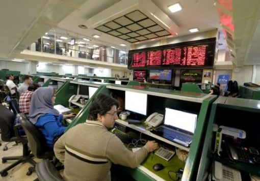 Defying Economic Gloom, Iran's Oil Firms Propel Bourse To Record High