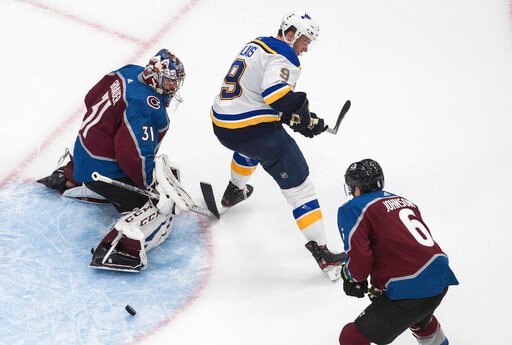 Grubauer, Francouz make strong cases to start in net for Avs