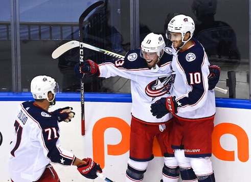 Rangers in an 0-2 hole as Carolina looks for series sweep