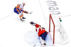 Islanders advance with 5-1 win over Panthers