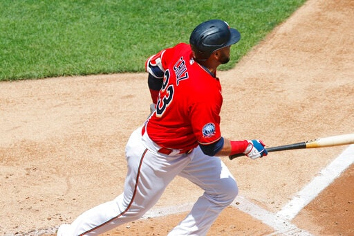 Berríos, Twins win 5th in row, top Pirates after drone delay