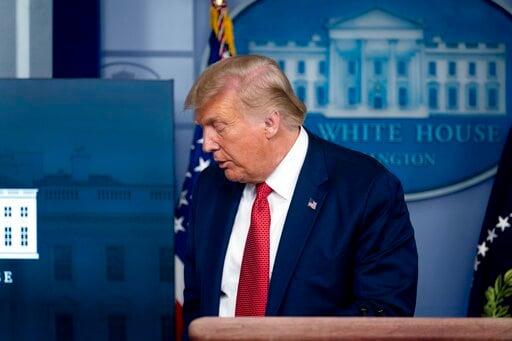 व्हाइट हाउस के पास शूटिंग टीवी पर ट्रम्प की ब्रीफिंग को बाधित करती है