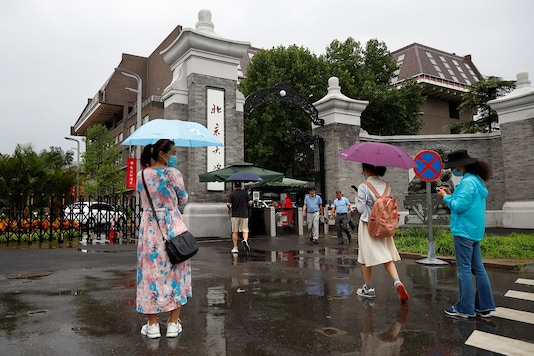 (For representation/REUTERS) Students have begun to come back to Universities as China opened up campuses.