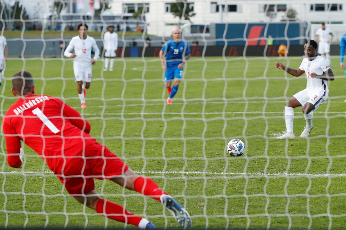 суд сочтет футбол картинки на тему игры исландия англия фотографии пользователя мобильном