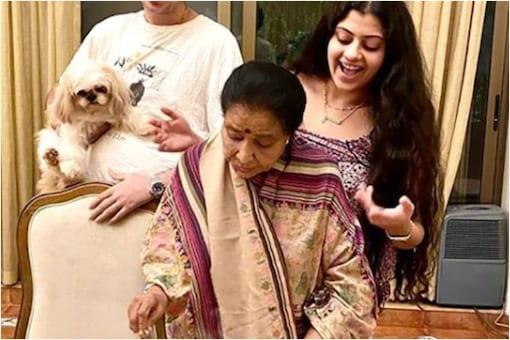 Singer Asha Bhosle