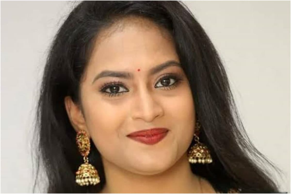 Hyderabad Police Book Three Men for Abetting Telugu Actress Kondapalli Sravani's Suicide