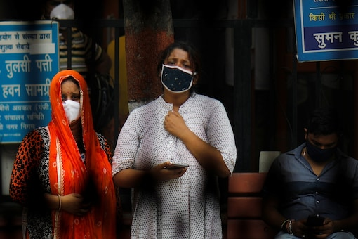 The survey has found that in a public market two out of 10 people do not even have a mask in their possession. Another five persons wear it wrong. (Representative Image: REUTERS)