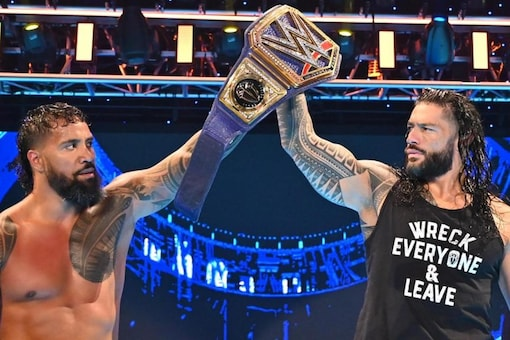 Roman Reigns teams up with Jey Uso (Image: Twitter: @WWE)