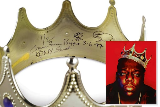 Notorious B.I.G's iconic plastic crown worn by him in his last photoshoot before he got shoot just went under the hammer at Sotheby's   Image credit: Reuters