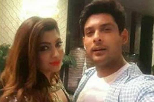Any Girl Would be Lucky to Date Sidharth Shukla, Says Akanksha Puri
