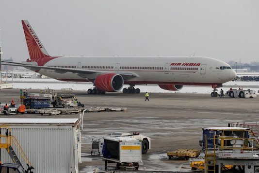 An Air India Boeing 777 plane is seen at O'Hare International Airport in Chicago, on November 30, 2018. (REUTERS/Kamil Krzaczynski/File Photo)