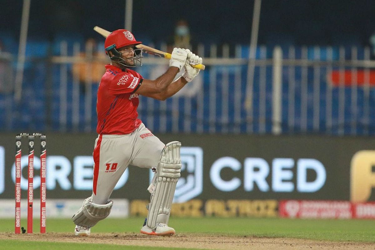 IPL 2020: Mayank Agarwal Reveals How Chris Gayle is Helping Him and Other KXIP Batsmen