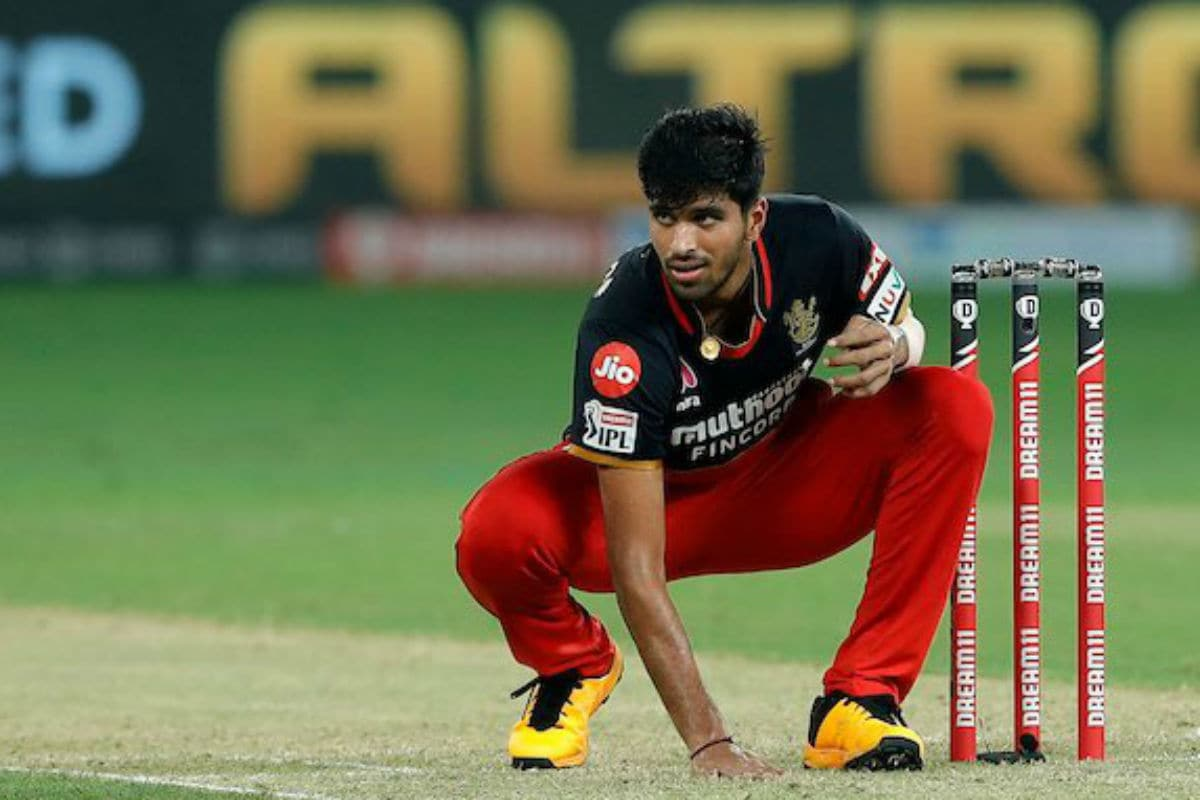 IPL 2020: Top RCB vs MI Moments -- Washinton Sundar's Miserly Bowling to Dropped Catches by Bangalore