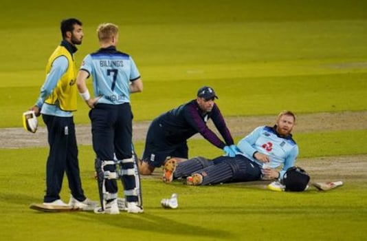 CRICKET-ODI-ENG-AUS:Australia ease to victory over England in first ODI