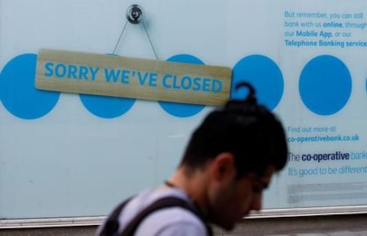 HEALTH-CORONAVIRUS-BRITAIN-ECONOMY:UK jobless rate rise sounds warning for bigger job losses ahead