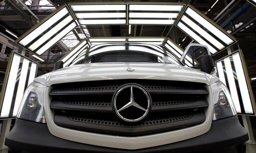 Daimler AG To Pay $1.5B To Settle Emissions Cheating Probes - Rclipse.Com