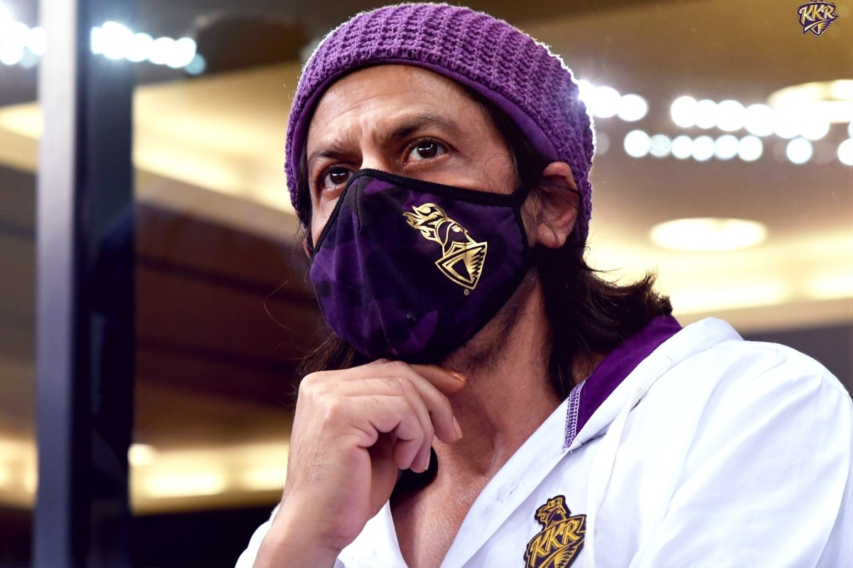 Now It Feels Like IPL: Twitter Goes Gaga After Shah Rukh Khan Spotted in KKR Vs RR Match in Dubai