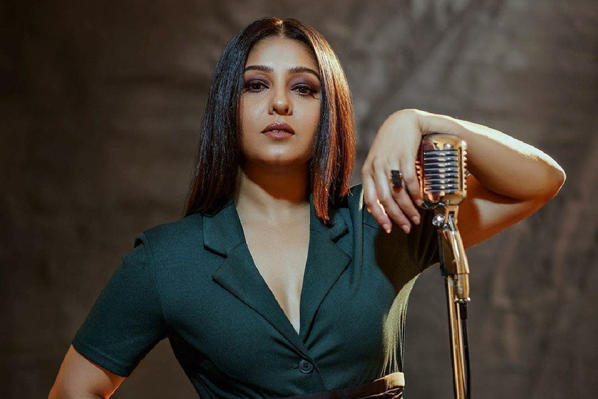 We Need to Stop Pulling Each Other Down, Says Sunidhi Chauhan