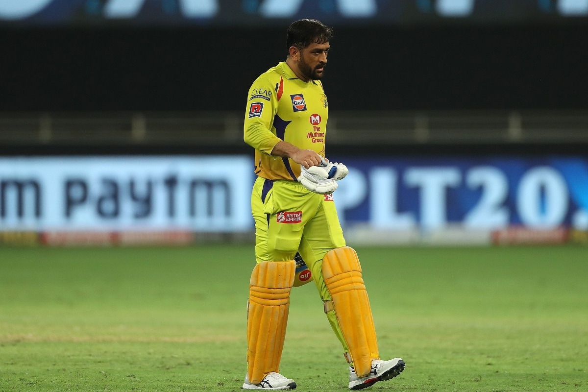 IPL 2020: MS Dhoni Has to Bat up the Order or CSK will Keep Losing, Says Virender Sehwag