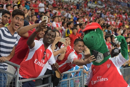 Mesut Ozil Wants to Help Unwanted Arsenal Mascot Gunnersaurus by Paying Wages