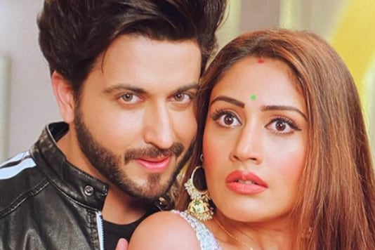 Surbhi Chandna Shares BTS Picture With Dheeraj Dhoopar From Naagin 5