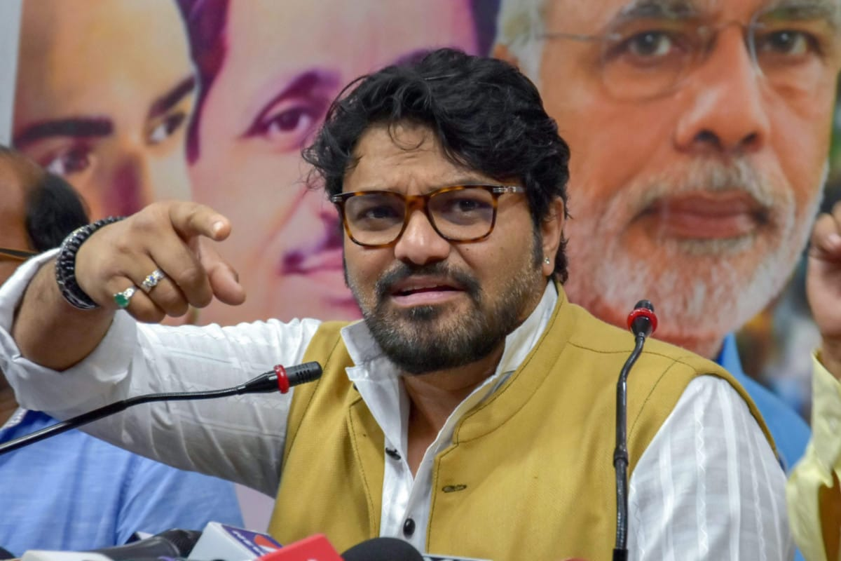 Calcutta HC Dismisses Chargesheet against Babul Supriyo for 'Objectionable' Remarks at Mahua Moitra - News18