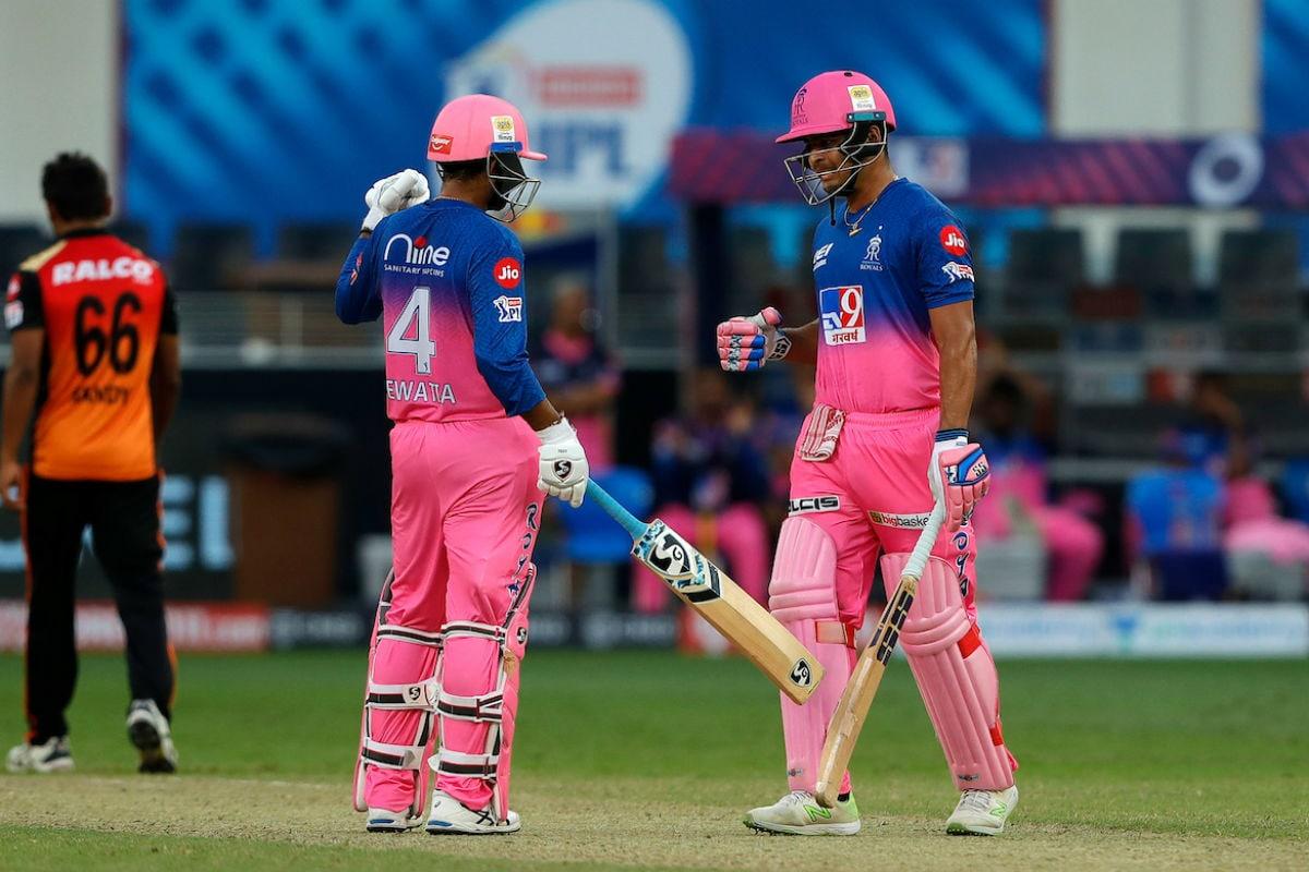 IPL 2020: Rahul Tewatia & Riyan Parag's Late Show Seals RR Victory Against SRH