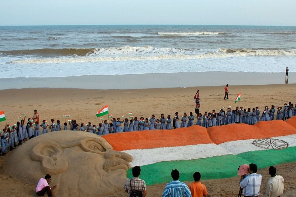 Image of article 'India Becomes First Nation to Get 8 'Blue Flag' Beaches in a Row. Here's What the Eco-label Means'