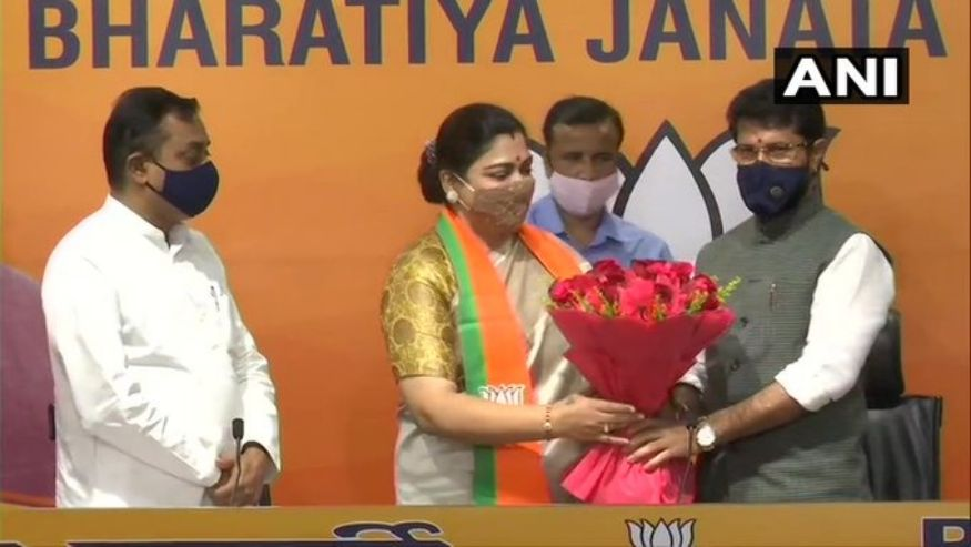 Actor-turned-politician Khushboo Sundar joined the BJP at the party headquarters in New Delhi on October 12, 2020. Earlier in the day, she was dropped from the position of congress national spokesperson by the Congress party. Khushboo had joined the Congress in 2014. (Image: ANI)