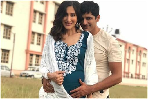 Teejay Sidhu's Epic Reply on Karanvir Bohra's Babymoon Post is Unmissable