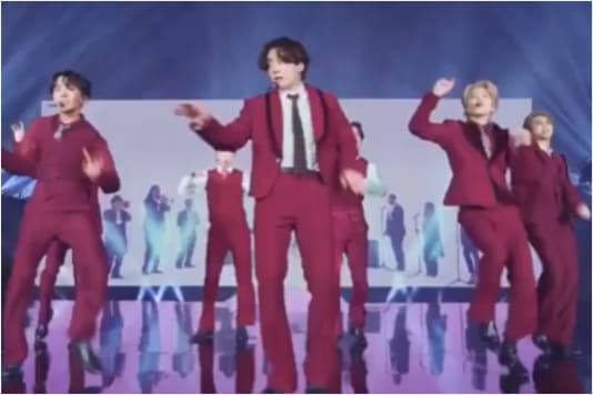 Billboard Music Awards 2020 Bts Blows Away Fans With Red Hot Dynamite Performance