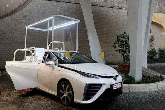New Popemobile - Toyota Mirai FCV