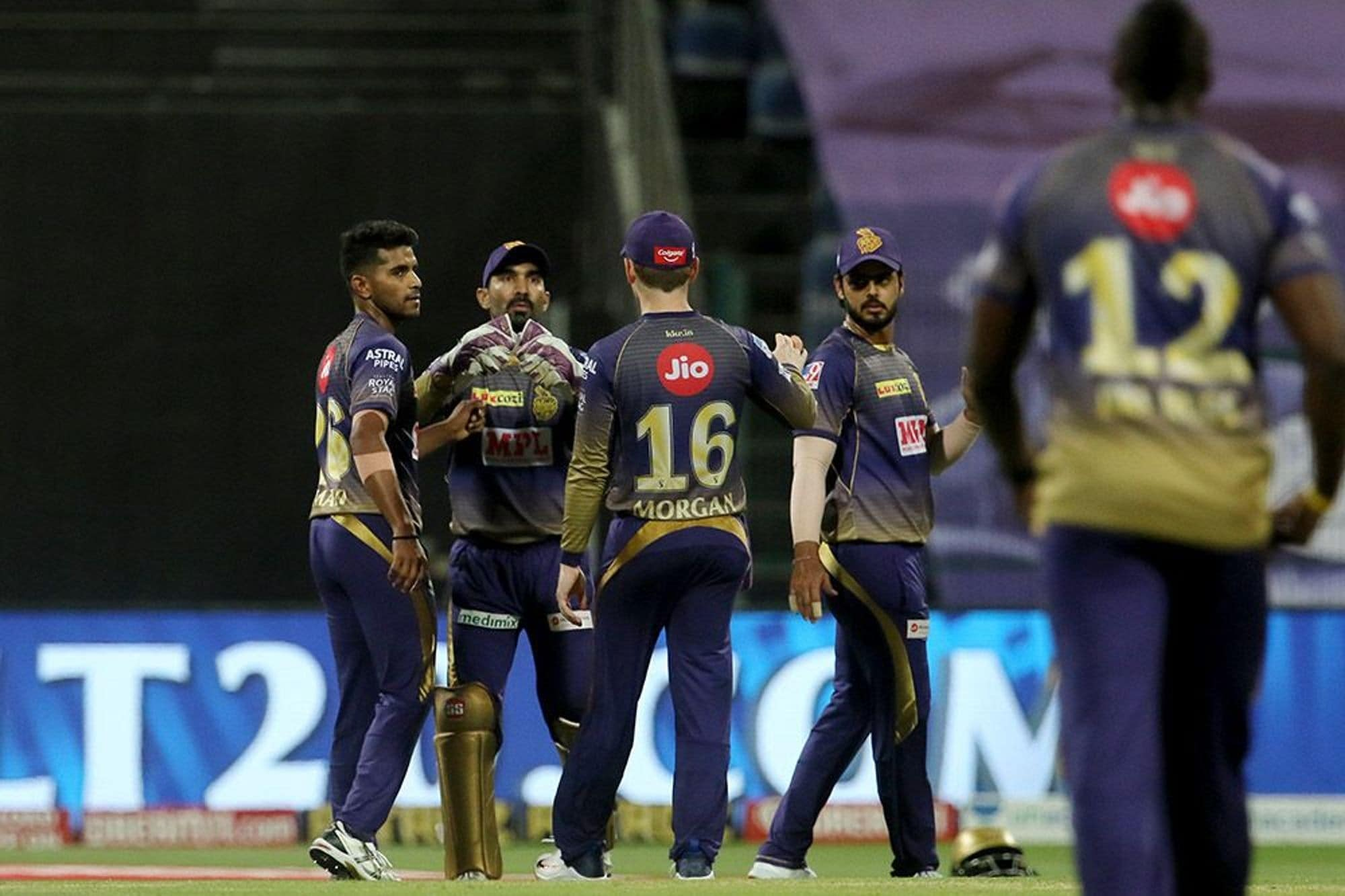 IPL 2020: Kolkata Knight Riders Currently Looking Like a Bits-and-pieces Side, Says Virender Sehwag
