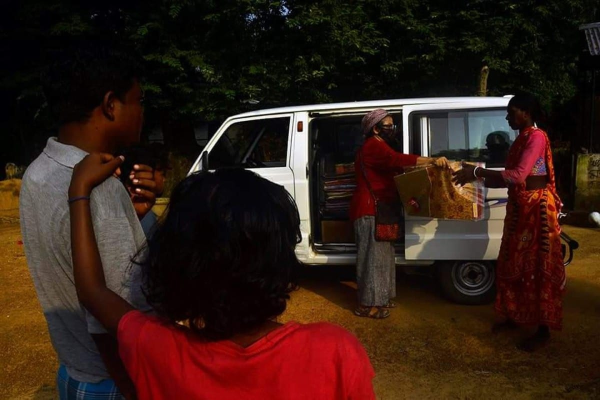 One Cotton Saree: A School Teacher's Initiative to Spread Smile During Durga Puja