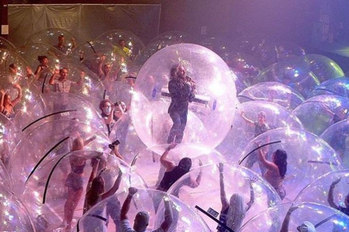 US Rock Band Hosts Socially Distant Concert with People Inside Human-sized Plastic Bubbles