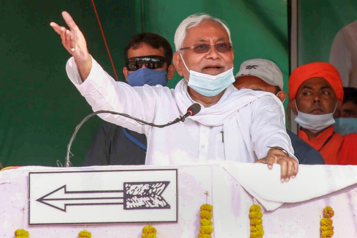 'Installed Wife on Chair when Got Jailed': Nitish Takes a Swipe at Lalu's Record on Women Empowerment