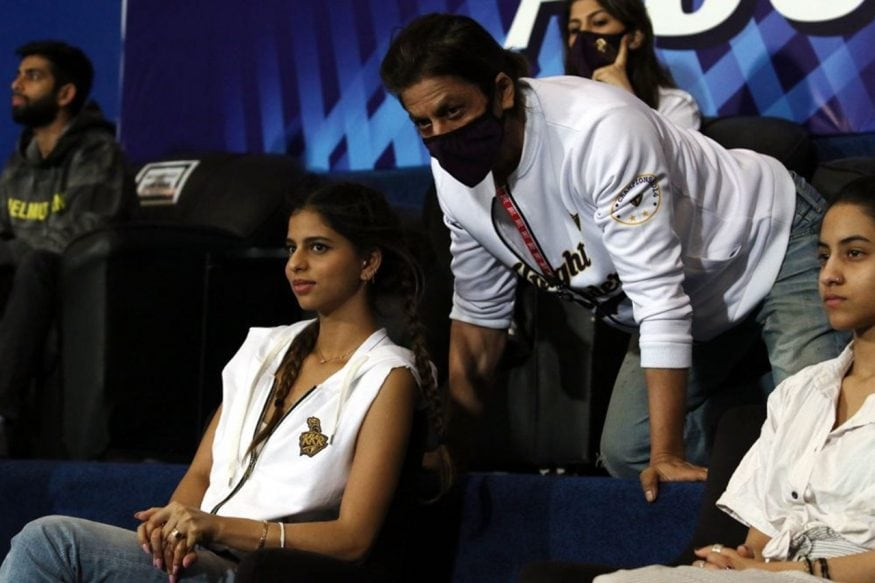 Shah Rukh Khan & Family Cheer For KKR From Dubai Stands; Pics Go Viral