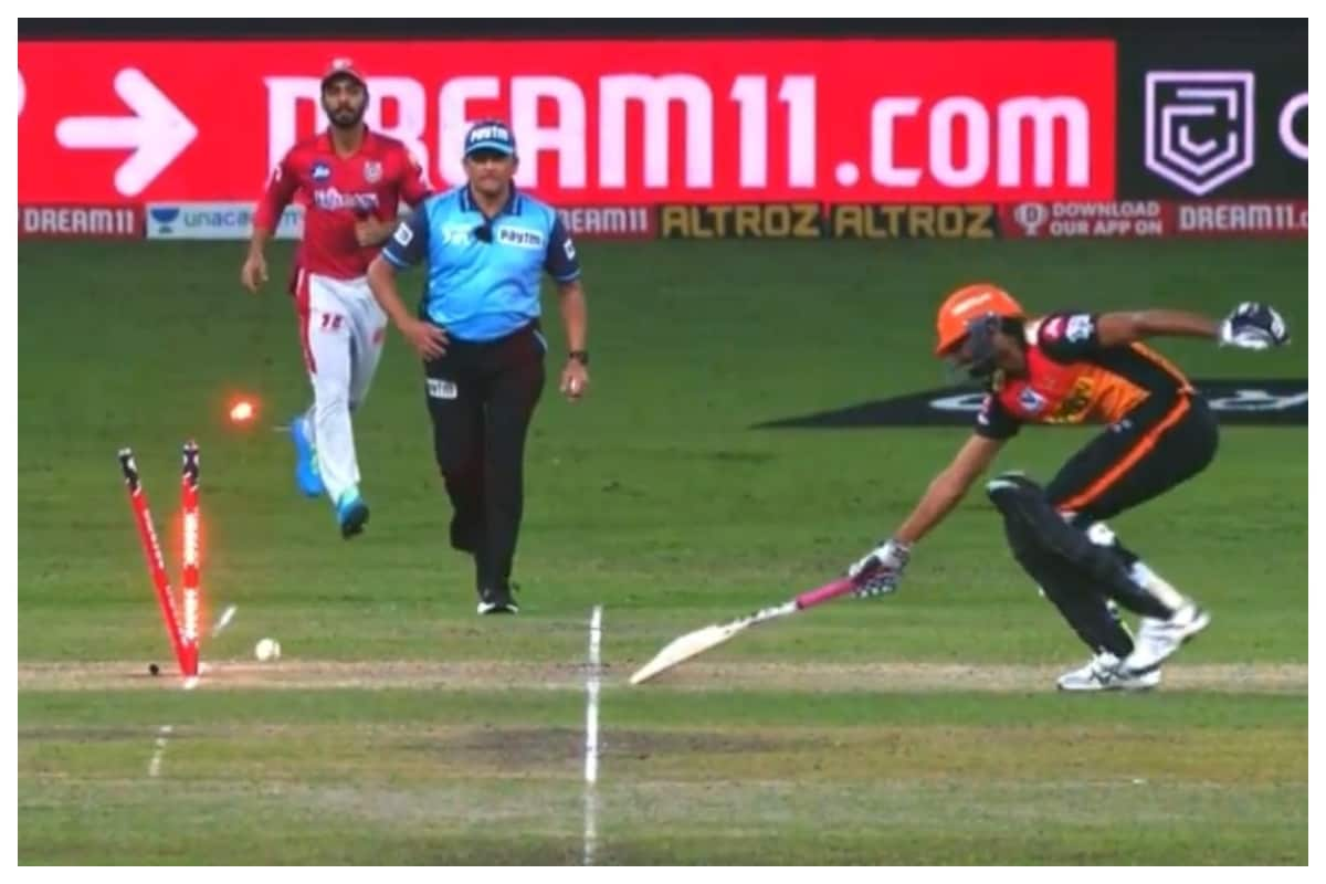 IPL 2020 KXIP vs SRH: Khaleel Ahmed Trolled for Refusing a Run With 13 Needed off 3 balls; Hilarious Memes Flood Social Media