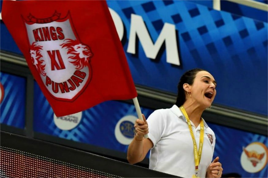 Pictures of Preity Zinta Cheering For Kings XI Punjab Go Viral on Social Media