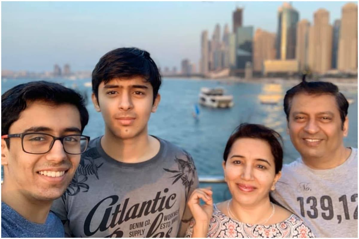 Indian Teen in Dubai Ropes in Father, Brother to Turn His Class 10 School Project into Family Business
