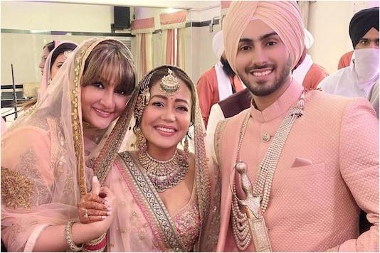 Urvashi Dholakia Shares Photo with Newlyweds Neha Kakkar and Rohanpreet Singh