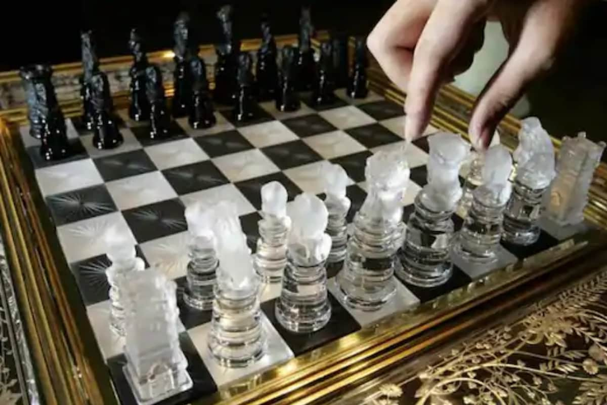 thumbnail image for review of YouTube AI Blocked Chess Channel after Confusing 'Black' and 'White' for Racist Slurs