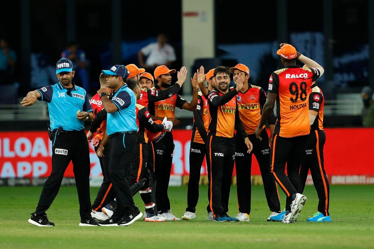 IPL 2020: Umpire Anil Chaudhary Sparks Controversy for Seemingly Influencing DRS Call
