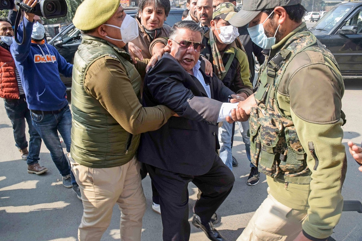 NIA Raids Continue for Second Day in Terror Funding Case as Leaders Mobilise Stir against New Land Laws