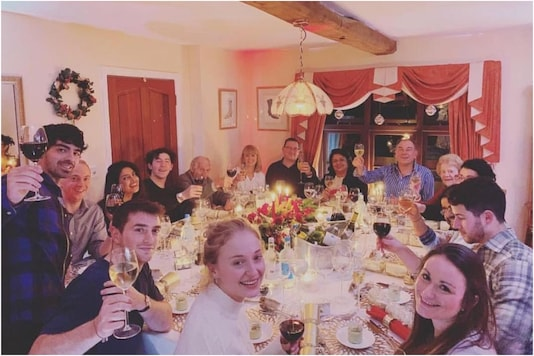 Priyanka Chopra with Jonas family