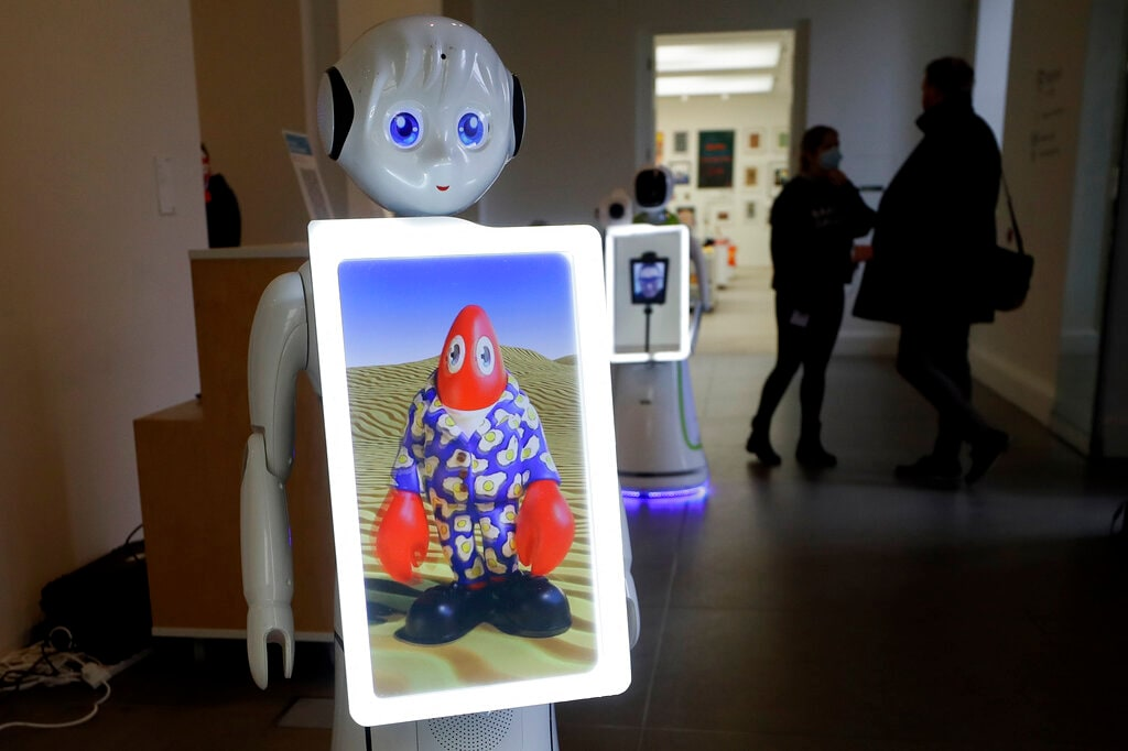 Exhibition That Can Be Viewed With The Help of Robot Opens in London