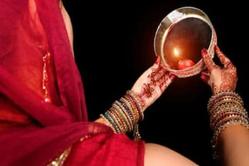 Karva Chauth 2020: A Nutritionist's Tips and Precautions for the Fast