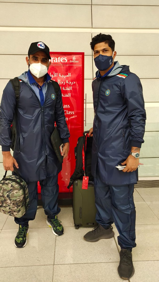 Md Shami pose with his pace bowling partner Umesh Yadav before leaving for Australia (Photo: Umesh Yadav Twitter)
